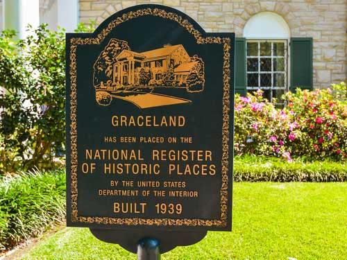 Graceland sign